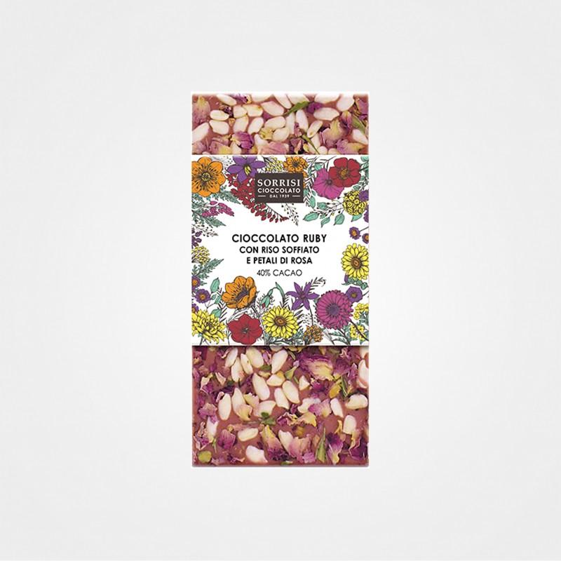 Rubyschokolade mit Puffreis und Rosenblätter von Boella e Sorrisi